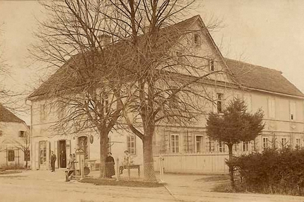 ak-hartkartonfotos-1890-1915-0015E2CF79E-7DB2-92A1-C3D3-01EFD0518EAB.jpg